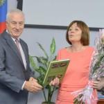 Николай Москалёв поздравляет председателя районного совета депутатов с днем рождения