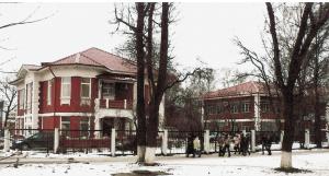 Жилые дома служащих завода «Компания Зингер» 1910 года  и 1914 года (ул. Б. Серпуховская, 29 и 31)