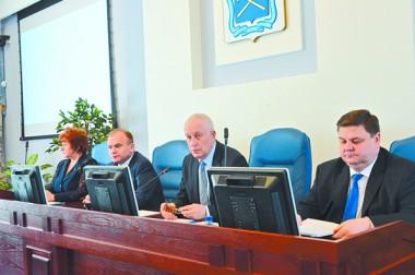 С заседания Совета депутатов. Три отчёта на одну тему