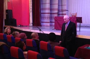 Председатель Совета депутатов встретился с жителями микрорайонов «Красная Горка» и «Плещеево»