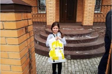 Более 150 подарков вручили волонтеры детям в Большом Подольске