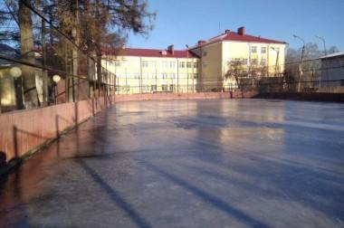 В Дубровицах залили каток на территории лыжной школы олимпийского резерва