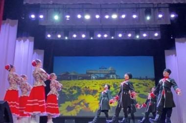Ансамбль народного танца «Рассвет» успешно выступил на конкурсе-фестивале хореографического искусства «Карагод талантов – хоровод дружбы»