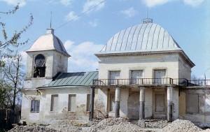Так выглядела церковь в поселке Щапово в 1975 году